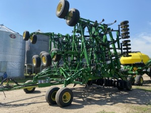 50' JD 1830 air drill w/JD 1910 350bu dbl compartment air cart