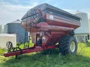 *UFT 760 Hydra grain cart