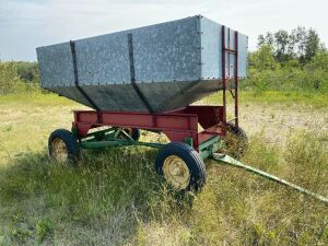 *Approx 125-bushel galvanized gravity box on JD 4-wheel wagon