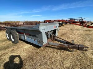 *New Idea 3632 T/A manure spreader